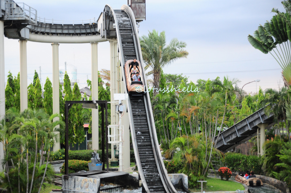 EnchantedKingdom_JungleLogJam