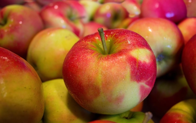 pixabay-apples-jonagold-health-improvement