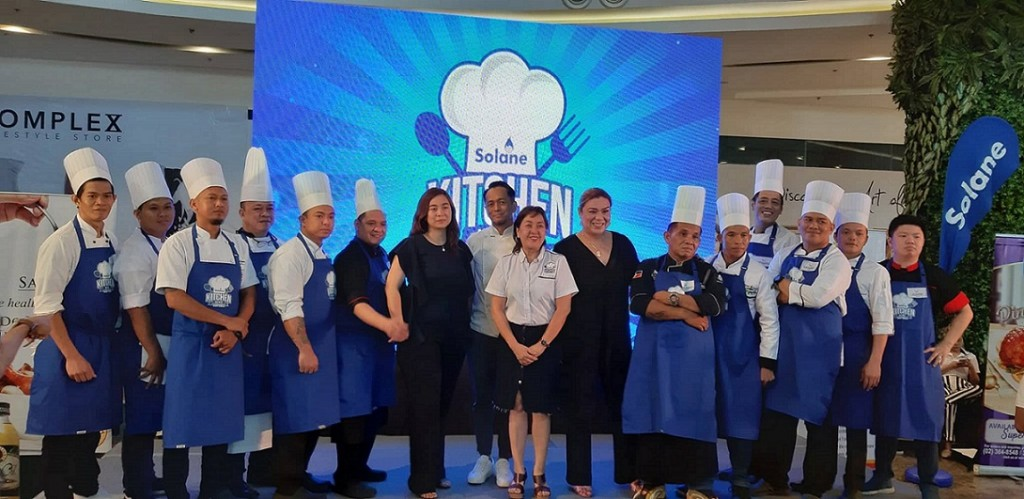 Solane Kitchen Hero Chef Edition - Participants with the Judges